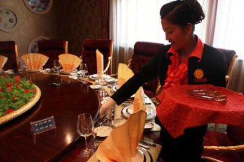 如何做好一名餐厅服务人员(一)