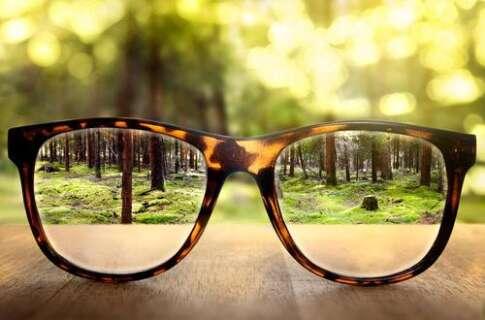 眼镜验光员
