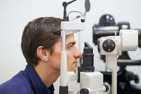 眼镜验光技师